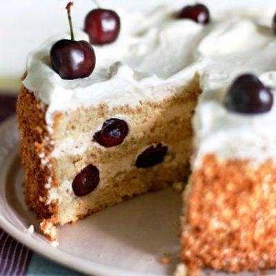 Ореховый торт с черешней