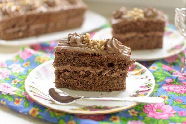 Бисквитное пирожное с шоколадным кремом