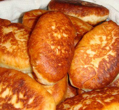 Пирожки с яйцом и луком на один укус