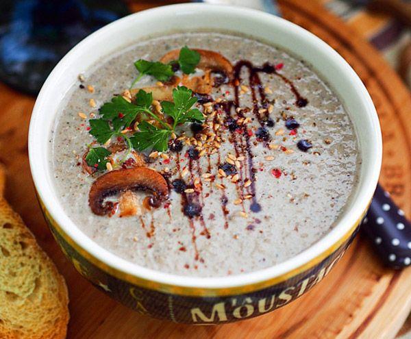 Фасолевый суп с чили и шоколадом