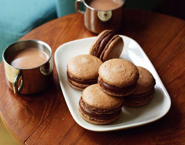 Печенье макарон с фундуком и шоколадом