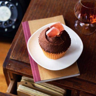 Шоколадно-розовые капкейки