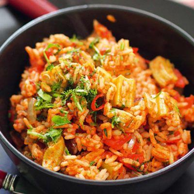 Рис с бамией и вялеными томатами